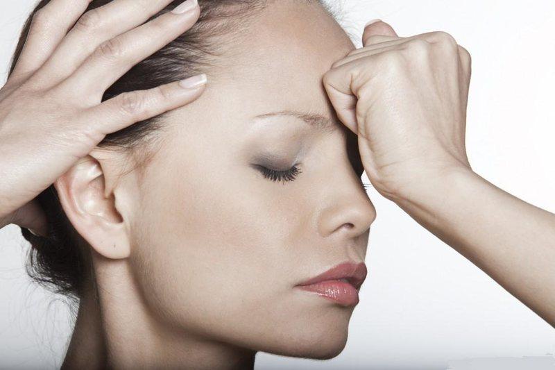 У многих людей, ведущих сидячий образ жизни, болит затылок головы