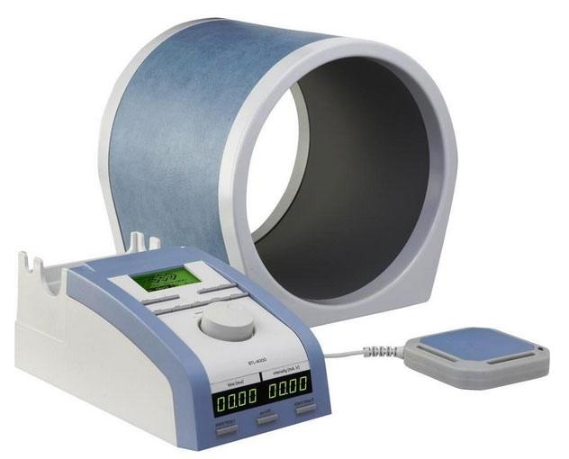 При магнитотерапии на тело пациента оказывает воздействие постоянное либо переменное магнитное поле разной частоты