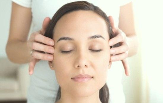 Для лечения и профилактики головной боли назначаются массаж и ЛФК