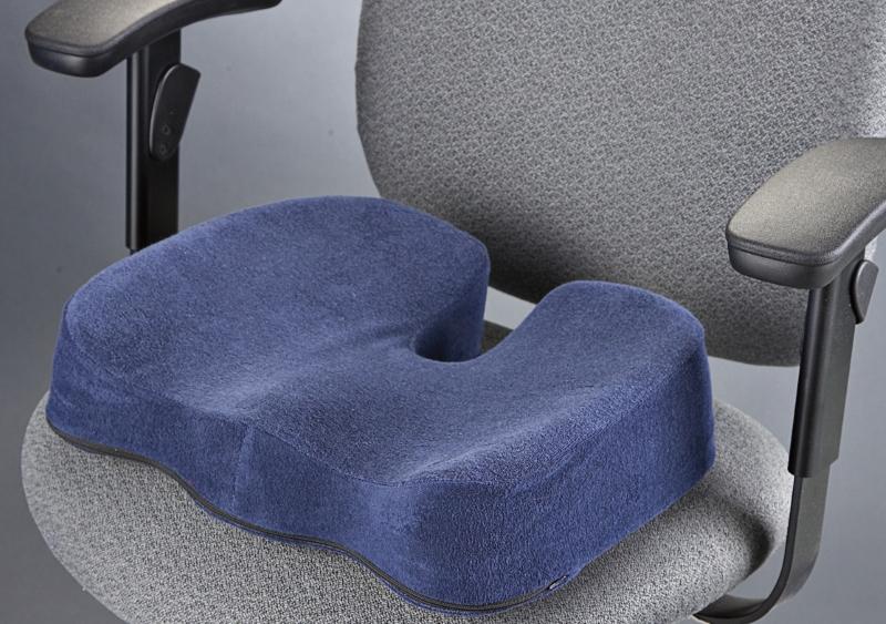 Выбор ортопедической подушки для стула