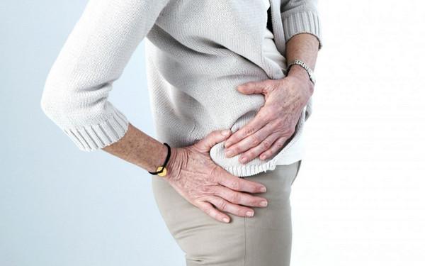 При 2-й стадии коксартроза появляется боль в области сустава