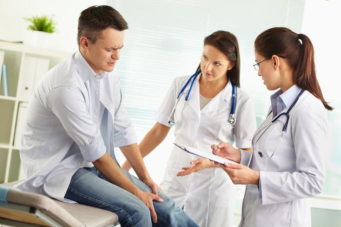 Сильная боль в суставах - признак ревматизма