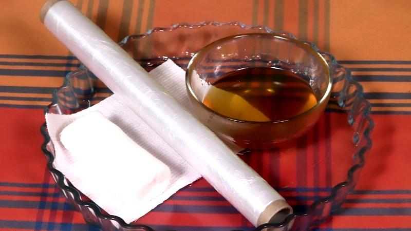 Медовый компресс для народного лечения пупочной грыжи